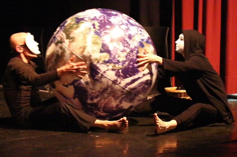 bewegingstheater theatervoorstelling closed world anima vinctum